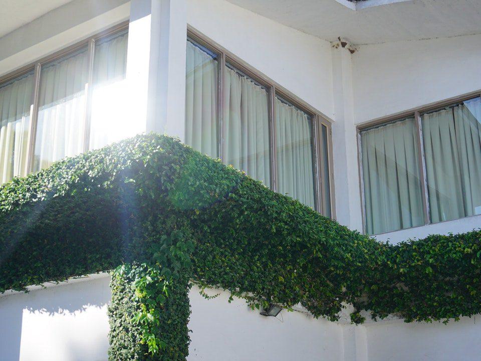 Ile kosztuje moskitiera przesuwna na okno balkonowe